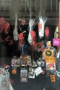 halloween-window