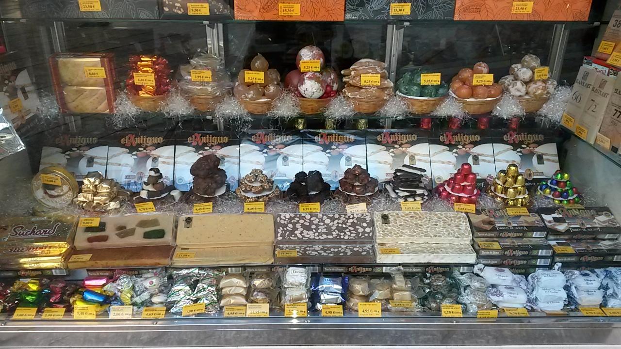 food shopping in Malaga at La Mallorquina