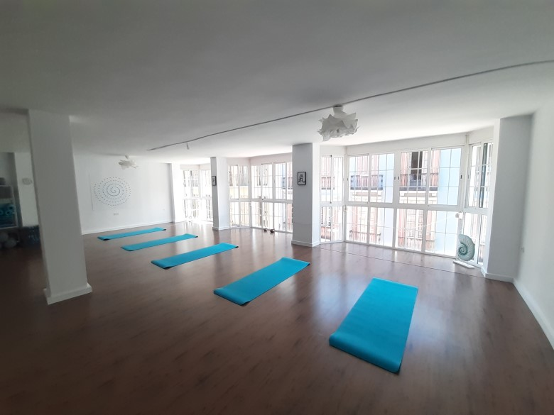 social distancing yoga at Zen Studio Malaga