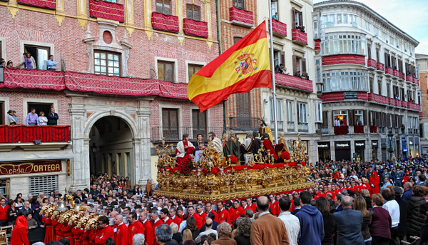 The largest throne in Holy Week in Malaga
